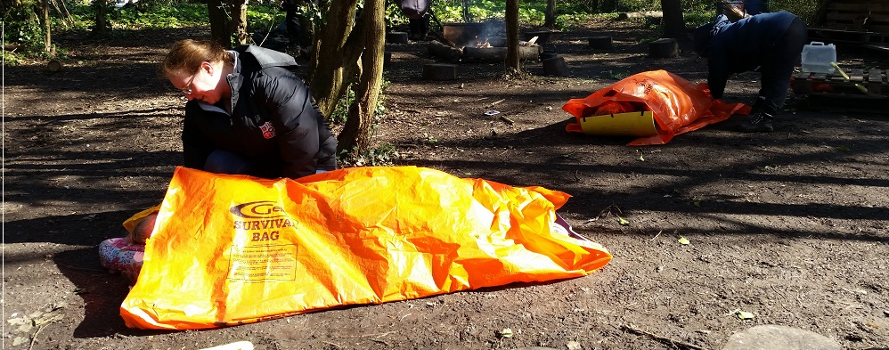 Outdoor First Aid Courses sheltering casualty